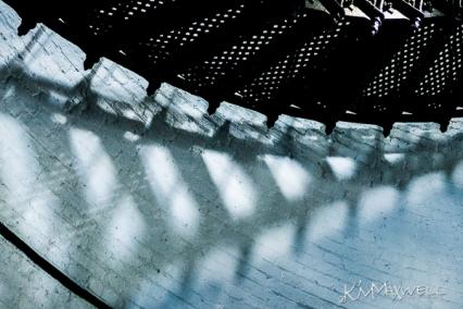 step shadows-sm