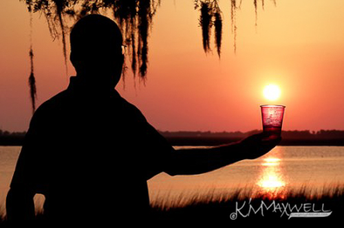 kimmaxwell_forced-perspective-and-hubby_a_3-sm